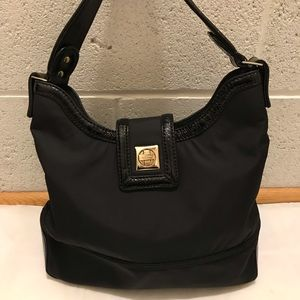 Authentic Kate Spade nylon shoulder bag.